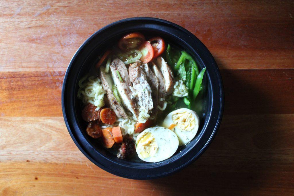 Bowl de poisson et de légumes